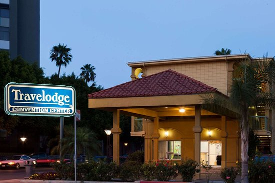 Travelodge by Wyndham Long Beach Convention Center Hotel