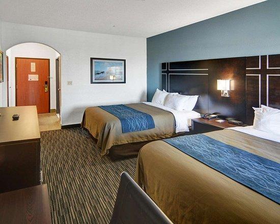 comfort inn suites beachfront 129 1 3 9 updated. Black Bedroom Furniture Sets. Home Design Ideas