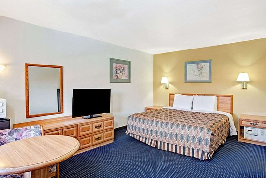 Travelodge by Wyndham Banning Casino and Outlet Mall: 1 King Bed Room