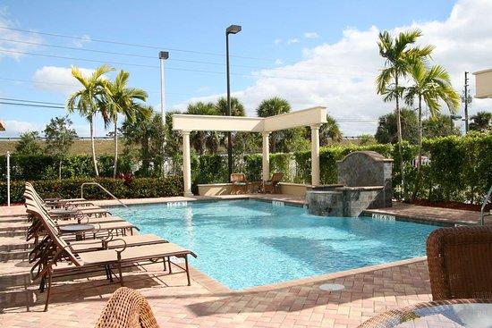 Hampton Inn West Palm Beach Lake Worth Turnpike Pool
