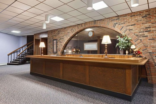 Travelodge by Wyndham Motel of St Cloud: Front Desk