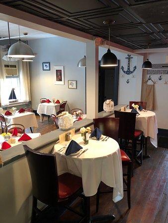 Port Deposit, MD: Bar Tops & Oyster Alley Room