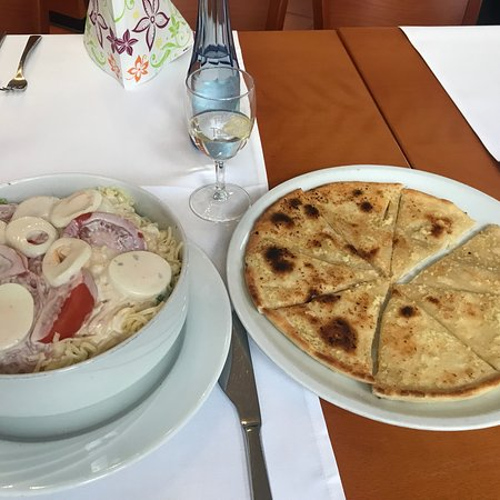 Wissen, Germany: Garlic bread and salad with -almost everything!
