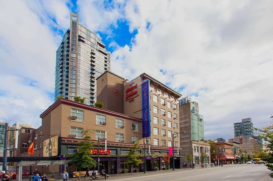 Howard Johnson by Wyndham Vancouver Downtown Hotel