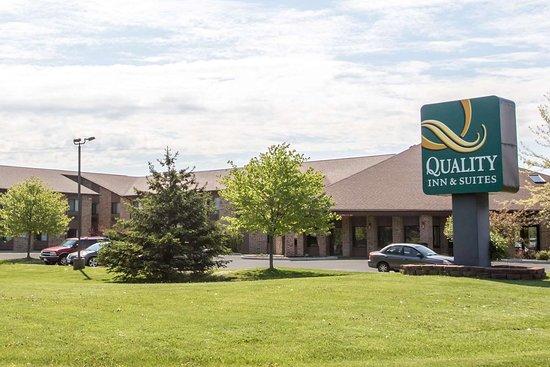 Quality Inn & Suites Sun Prairie: Hotel exterior