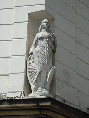 Statue de Sainte-Catherine
