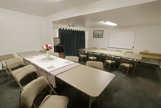 Sun City, CA: Meeting Room