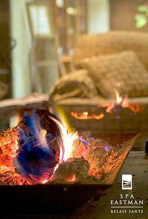 Eastman, Canada: Open fireplace