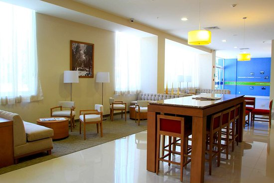 Hampton Inn by Hilton Guadalajara/Expo: Reception