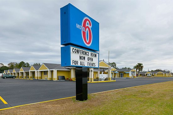 Motel 6 Enterprise