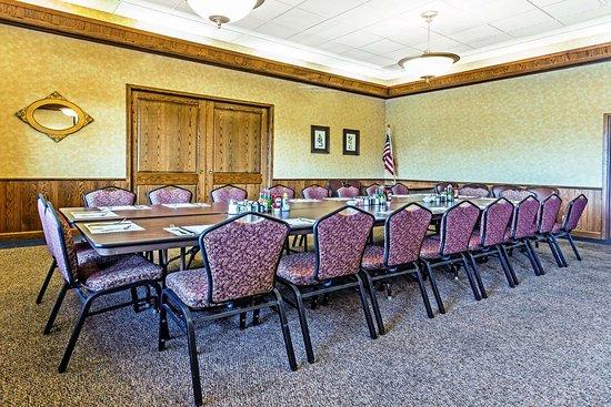 Halsey, OR : Meeting Room