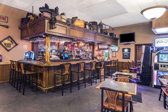 Halsey, OR : Lounge