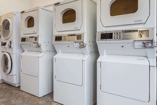 Halsey, OR : Guest Laundry