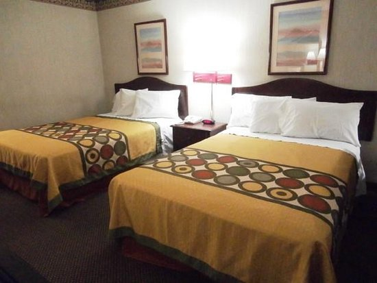 Decatur, GA: Two Double Beds