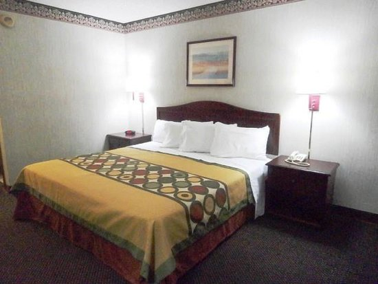 Decatur, GA: One King Bed