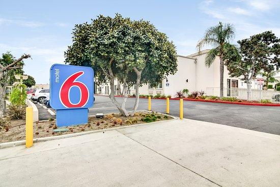 Motel 6 Carson Hotel
