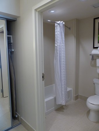Warrington, PA: Bath, Closet -- Homewood Suites, Doylestown, PA