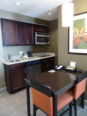 Warrington, PA: Table and Kitchen -- Homewood Suites, Doylestown, PA