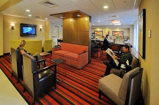 Best Western Plus Denver International Airport Inn & Suites: Hotel Lobby