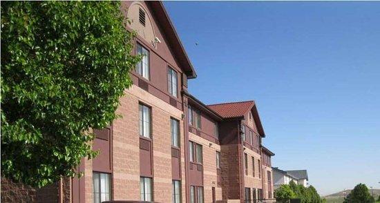 Best Western Plus Denver International Airport Inn & Suites: Hotel Exterior
