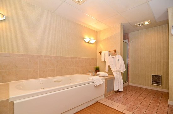 New Providence, Nueva Jersey: Presidential Suite with Jacuzzi® tub