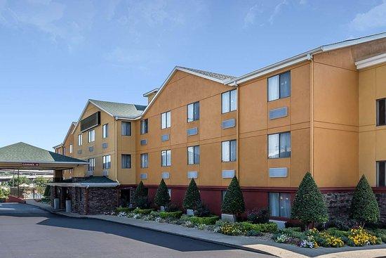 Comfort Inn Nashville/White Bridge: Hotel exterior