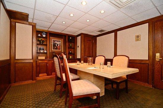 New Providence, NJ: Boardroom