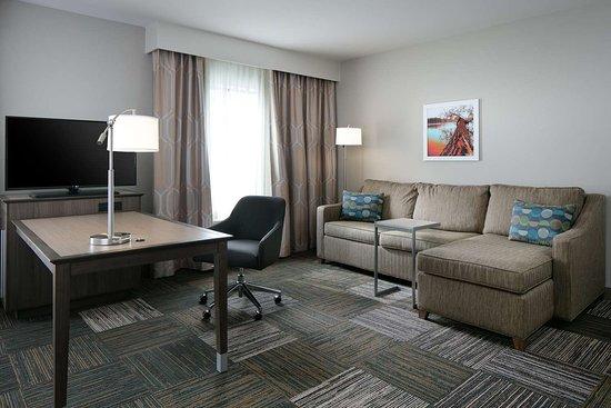 Minooka, IL: Suite Living Area