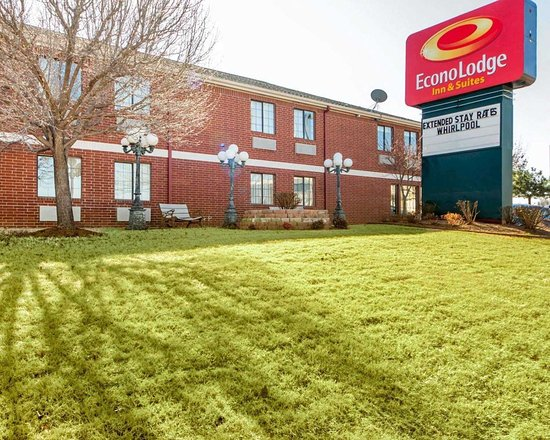 Econo Lodge Inn & Suites: Hotel near popular attractions