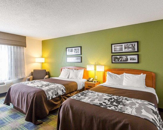 Sleep Inn & Suites Smyrna: Guest room with double beds