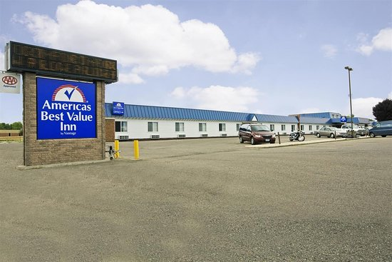 Americas Best Value Inn Grand Forks: Exterior