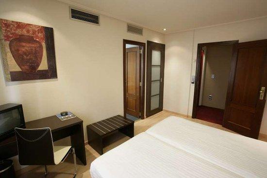 Utebo, Spain: Guest Room