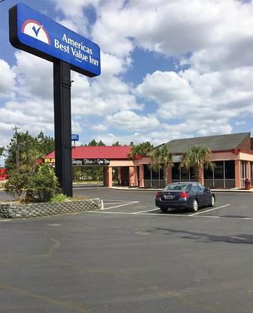 Americas Best Value Inn Florence: Exterior