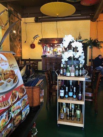 San Pablo, CA: Dining area inside the restaurant.