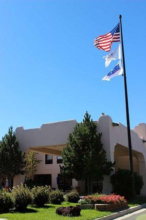 Hampton Inn Taos: Exterior