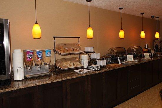 Springfield, OR: Breakfast Bar