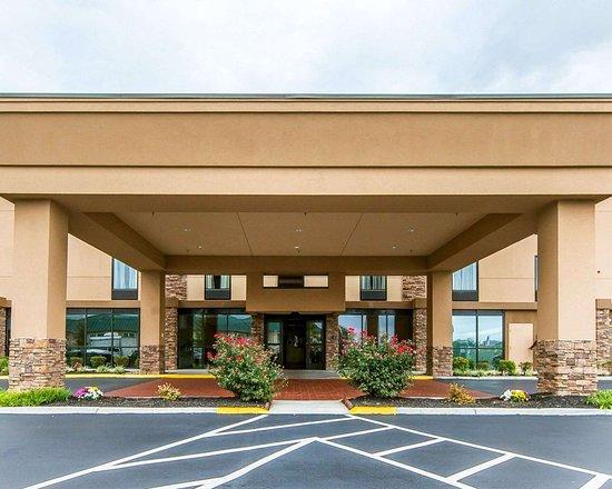 Comfort Suites Knoxville West-Farragut: Hotel entrance