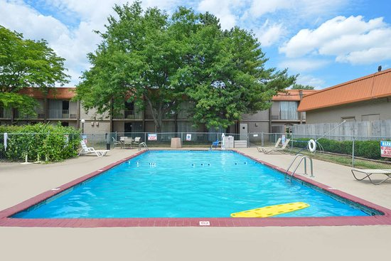 Northwood, OH: Pool