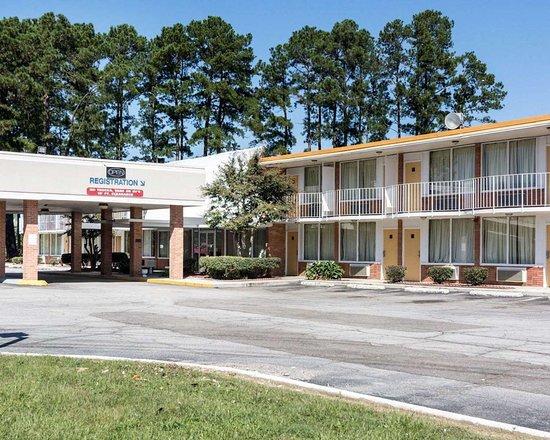 Rodeway Inn Emporia Hotel In Va