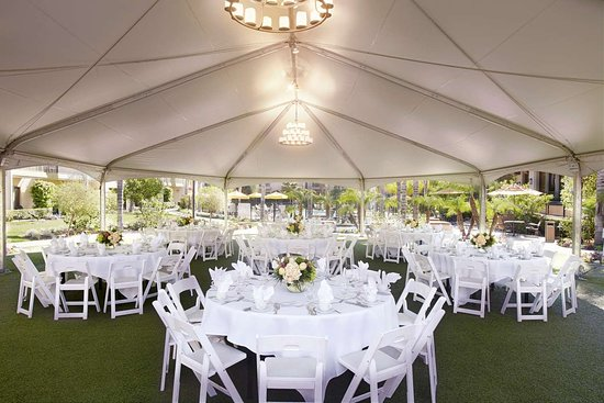 Doubletree By Hilton Hotel Ontario Airport Wedding Ceremony