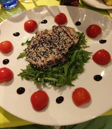 Thunfisch mit Sesam