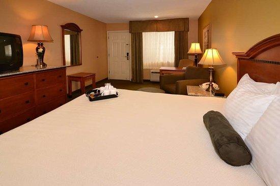 Eagar, AZ: Executive King Guest Room.