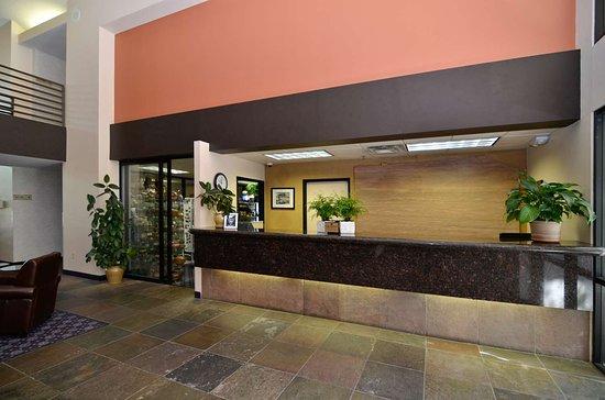 Best Western Plus Inn Of Williams: Reception Desk