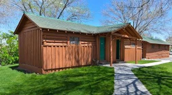 Buffalo Bill Cabin Village: Exterior view