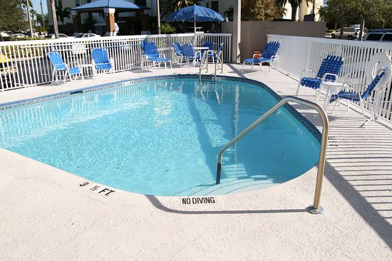 Hampton Inn Tampa / Rocky Point - Airport: Pool