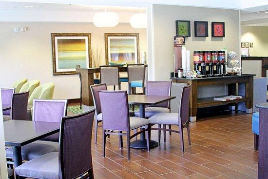 Hampton Inn Tampa / Rocky Point - Airport: Reception