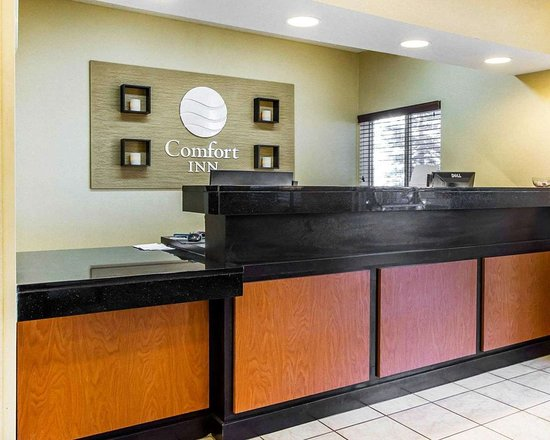 Comfort Inn Oklahoma City: Front desk