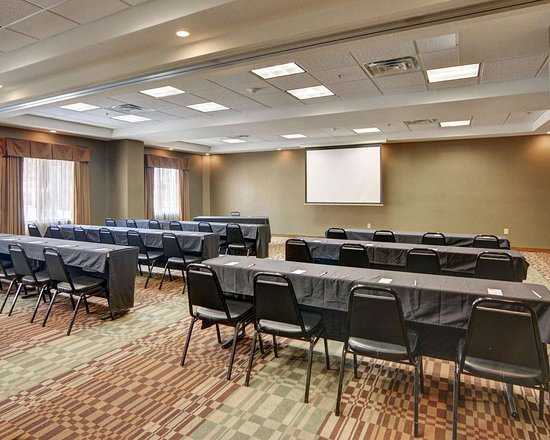 Richland Hills, TX: Meeting room with classroom-style setup