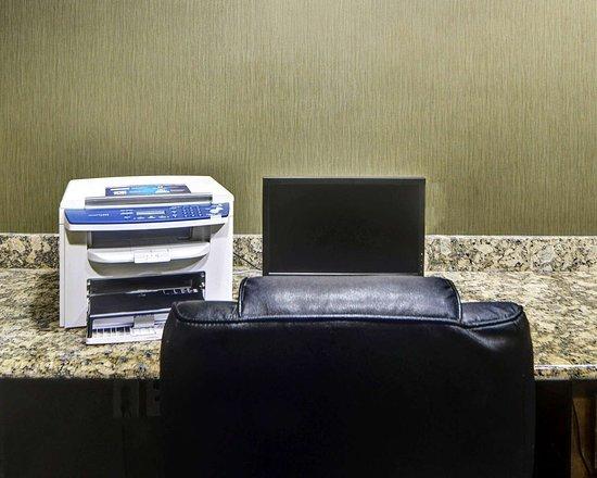 Richland Hills, TX: Business center with high-speed Internet access