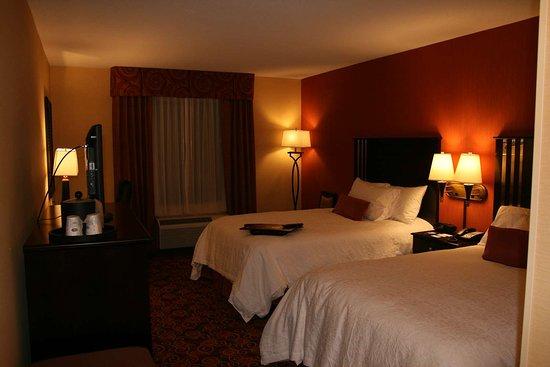 Blackwood, NJ: Guest room